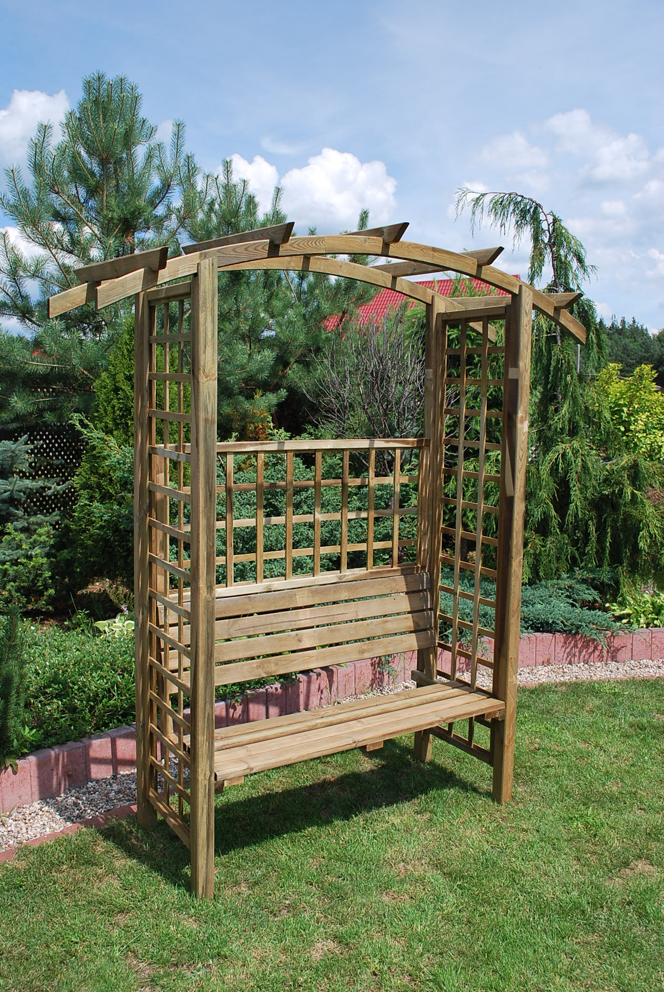 4. WINDSOR ARBOUR