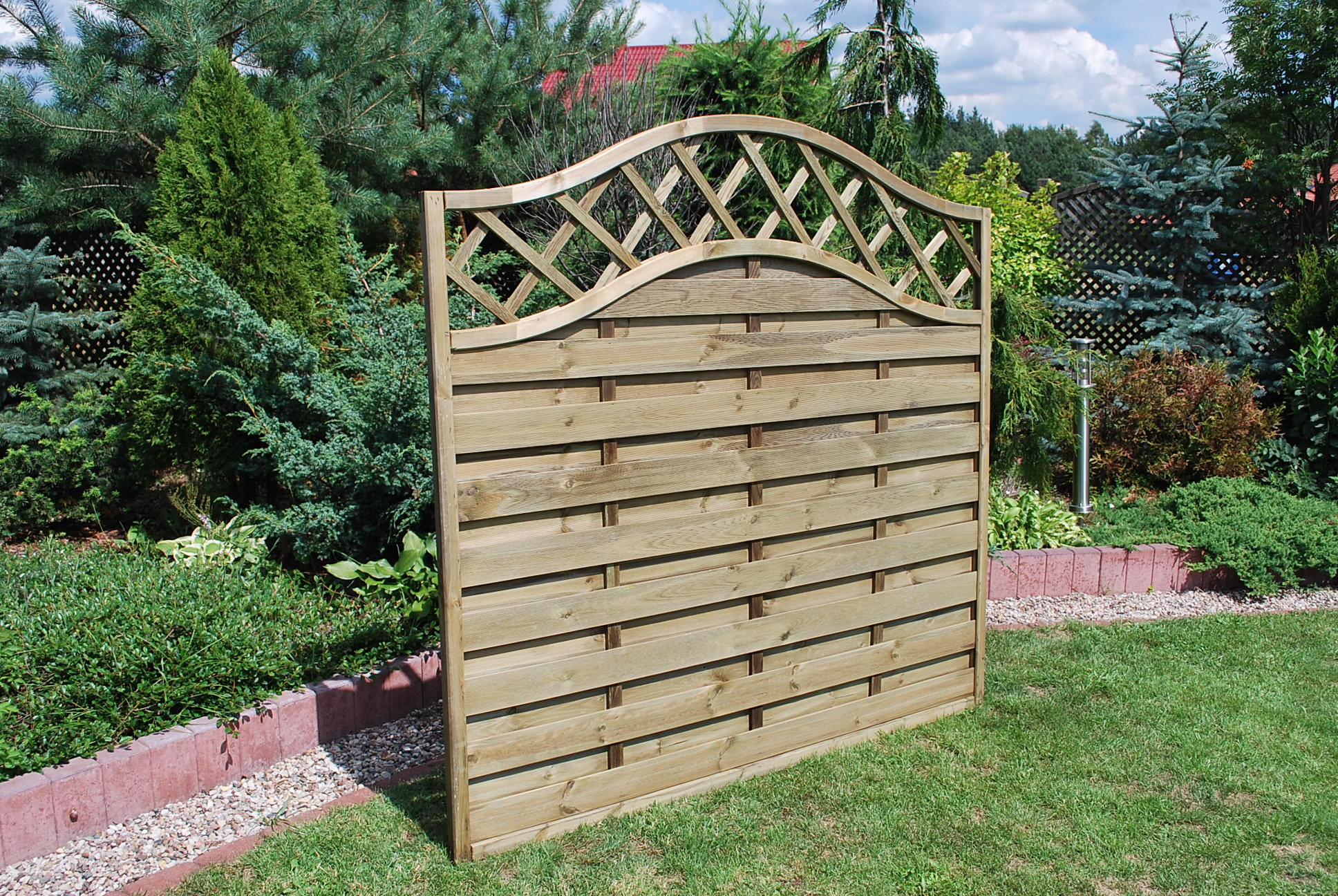 241, 272. SUSSEX WAVE - PREMIER FENCE PANEL (2)